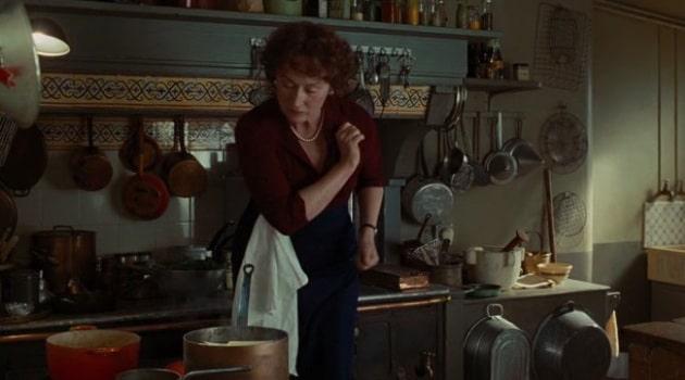 Джулия Чайлд колдует над плитой