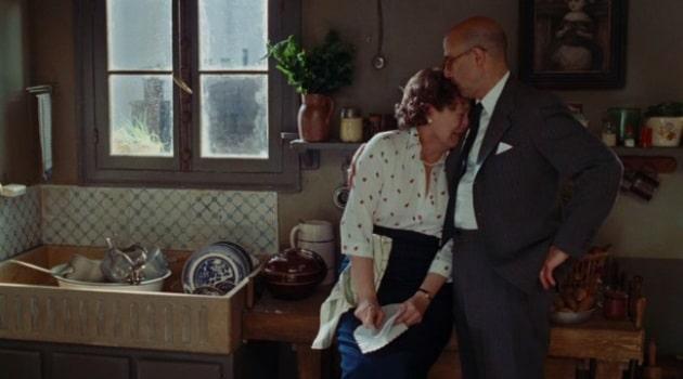 Джулия с мужем на кухне