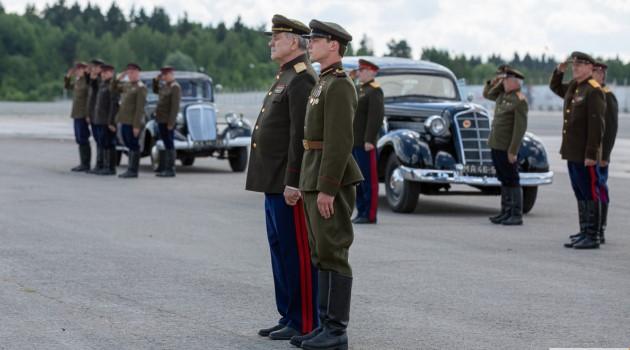 кадр Калашников 2020 на плацу