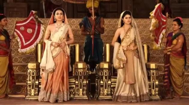 кадр Махабхарата обе царицы встали