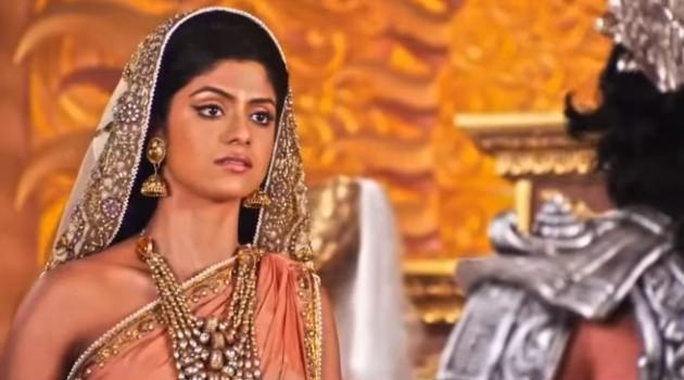 кадр Махабхарата царица мать и Бхишма