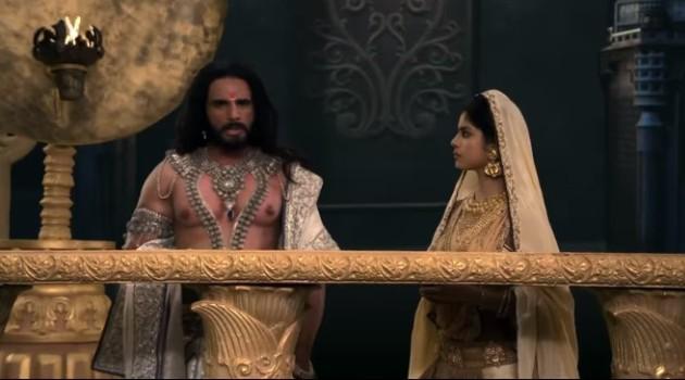 кадр Махабхарата Сатьявати и Бхишма перед коронацией