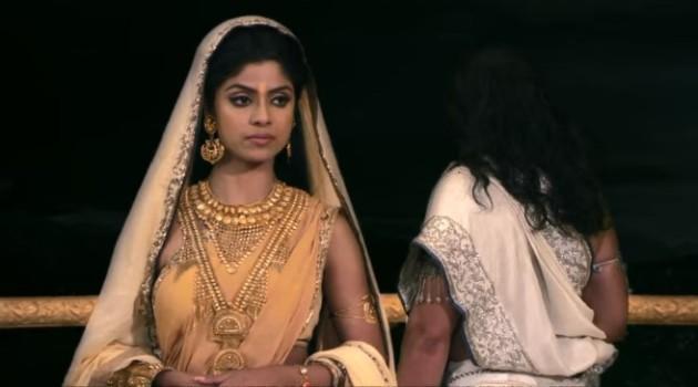 кадр Махабхарата Царица-мать категорична в своих решениях