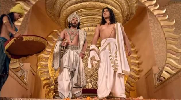 кадр Махабхарата Дхритараштра возле трона