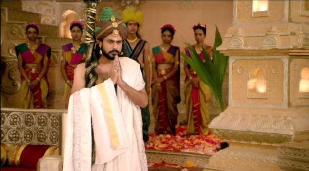 кадр Махабхарата Ведура предлагает короновать Панду