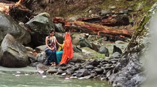 кадр Махабхарата Кунти на берегу реки