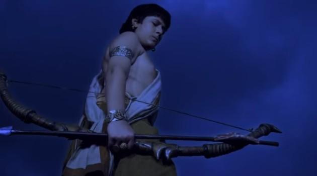 кадр Махабхарата Карна уходит ночью к реке